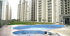 real estate scam shakes Noida