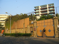 Main entrance of Mannat, the home of Shahrukh Khan/