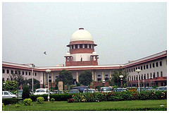 Supreme Court has halted all proceedings on pleas filed by Sahara firms.